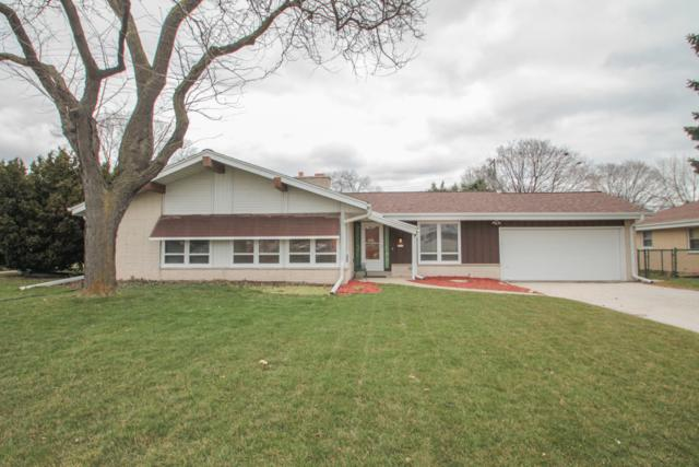 3216 N Mayfair Rd, Wauwatosa, WI 53222 (#1631604) :: RE/MAX Service First Service First Pros