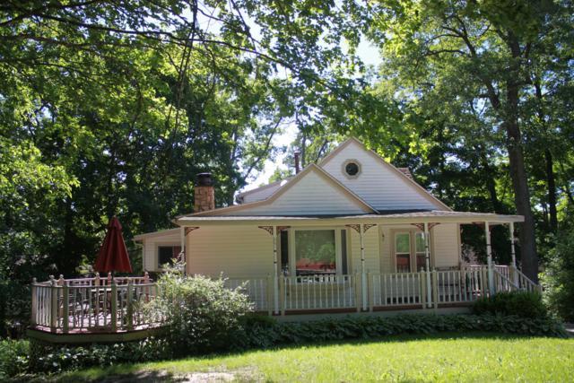 529 Oakwood Trl, Twin Lakes, WI 53181 (#1631738) :: eXp Realty LLC