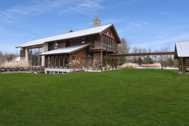 9503 W Hawthorne Rd, Mequon, WI 53097 (#1632187) :: Tom Didier Real Estate Team