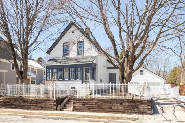 W59N401 Hilbert Ave, Cedarburg, WI 53012 (#1632420) :: Tom Didier Real Estate Team