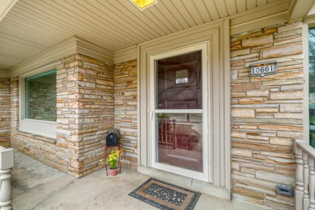 10661 W Grantosa Dr, Wauwatosa, WI 53222 (#1632421) :: eXp Realty LLC