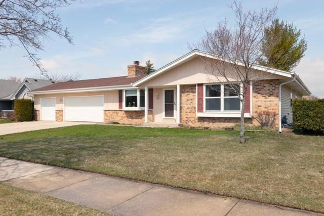 200 W Acorn Dr, Grafton, WI 53024 (#1632430) :: Tom Didier Real Estate Team