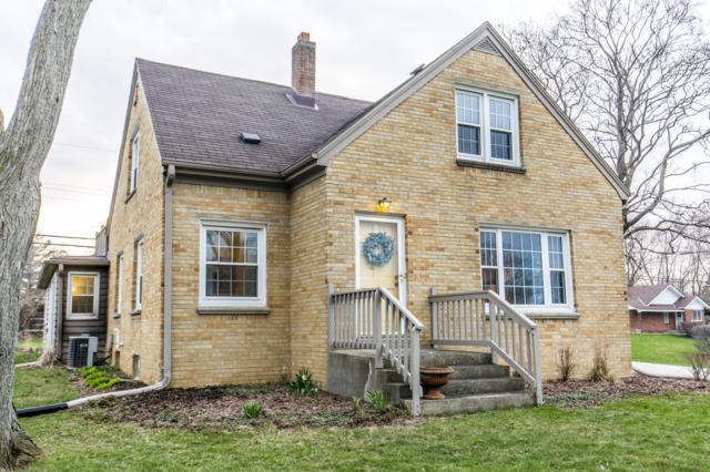 1065 Harvey Ave, Brookfield, WI 53005 (#1632586) :: Tom Didier Real Estate Team