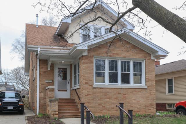 811 Blaine Ave, Racine, WI 53405 (#1632592) :: Tom Didier Real Estate Team