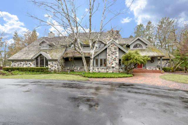 3131 W Donges Bay Rd, Mequon, WI 53092 (#1632729) :: eXp Realty LLC