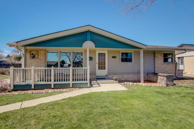 3273 S 89th St, Milwaukee, WI 53227 (#1633200) :: RE/MAX Service First Service First Pros