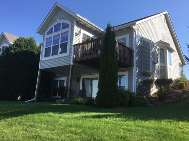988 Niagara Ct, Port Washington, WI 53074 (#1633370) :: eXp Realty LLC