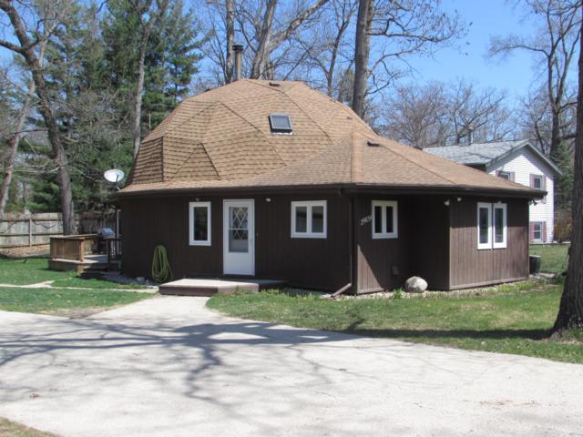 29834 Pinewood Dr, Burlington, WI 53105 (#1633687) :: Tom Didier Real Estate Team