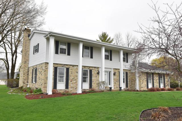 3424 W Clubview Ct, Mequon, WI 53092 (#1634098) :: Tom Didier Real Estate Team