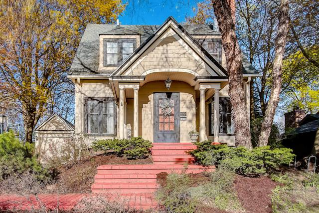 1740 Mountain Ave, Wauwatosa, WI 53213 (#1634761) :: Tom Didier Real Estate Team