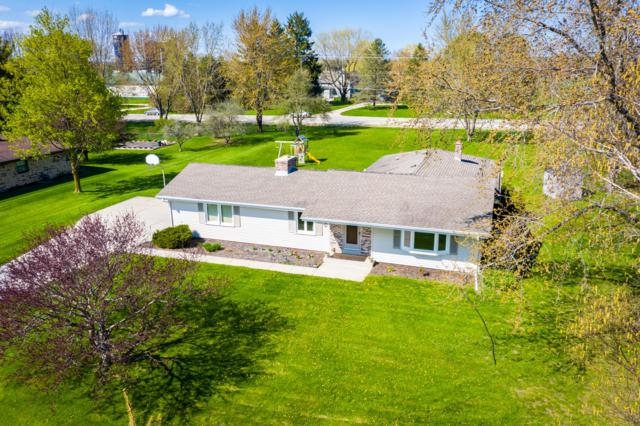 10172 Flagstone Dr, Cedarburg, WI 53012 (#1635520) :: RE/MAX Service First Service First Pros