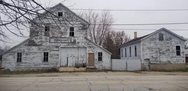 1120 W Washington Ave, Cleveland, WI 53015 (#1635558) :: Tom Didier Real Estate Team