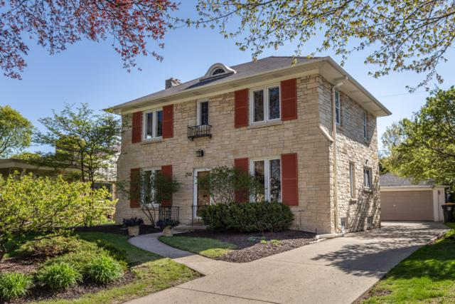 2510 N Harding Blvd, Wauwatosa, WI 53226 (#1636702) :: RE/MAX Service First Service First Pros