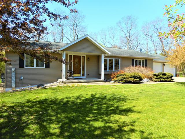 N7331 County Rd P, Whitewater, WI 53190 (#1636938) :: RE/MAX Service First Service First Pros