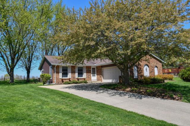 744 Radiant Ct, Oconomowoc, WI 53066 (#1636979) :: RE/MAX Service First Service First Pros
