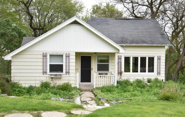 301 Morey St, Waukesha, WI 53188 (#1637450) :: RE/MAX Service First Service First Pros