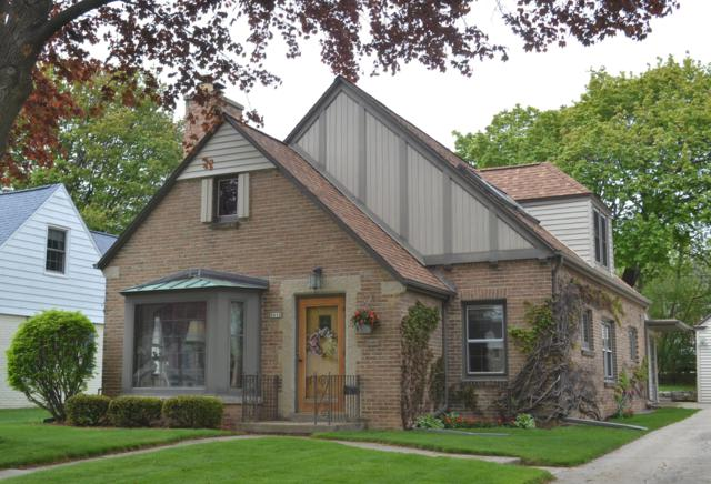 8610 Jackson Park Blvd., Wauwatosa, WI 53226 (#1637734) :: RE/MAX Service First Service First Pros