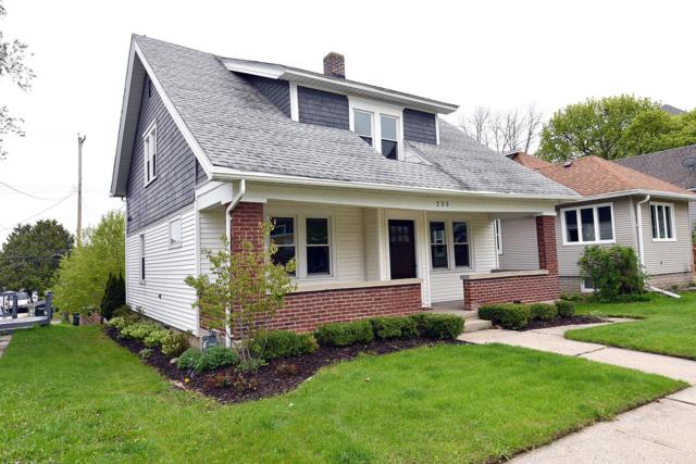 235 N 8th Ave, West Bend, WI 53095 (#1637773) :: RE/MAX Service First Service First Pros