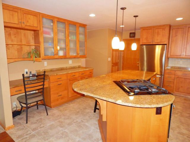 4805 S Langlade Dr, New Berlin, WI 53151 (#1637780) :: RE/MAX Service First Service First Pros