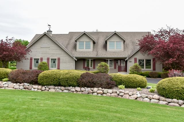 880 Foxkirk Dr, Brookfield, WI 53045 (#1637998) :: eXp Realty LLC
