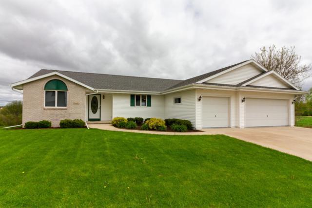 332 N Creek Rd, Elkhorn, WI 53121 (#1638089) :: eXp Realty LLC