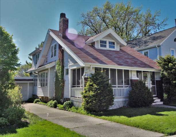 3835 N Frederick Ave, Shorewood, WI 53211 (#1638402) :: RE/MAX Service First
