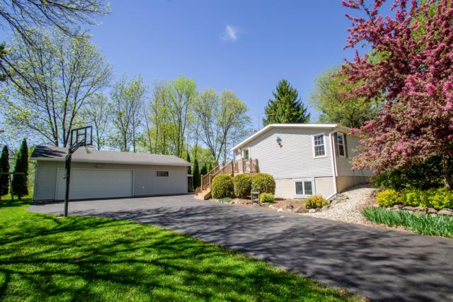 W2506 Circle Dr, Watertown, WI 53094 (#1638623) :: RE/MAX Service First