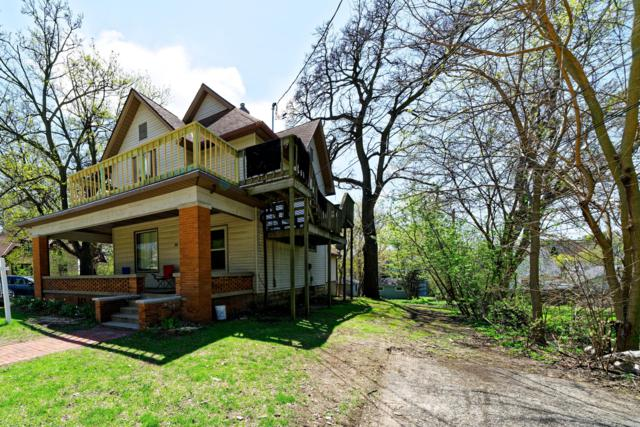 432 Barstow St Nw, Waukesha, WI 53188 (#1638827) :: RE/MAX Service First