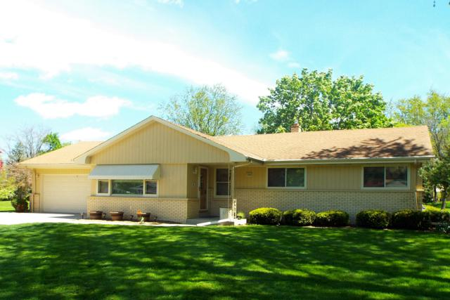 3680 Hollywood Ln, Brookfield, WI 53045 (#1638896) :: RE/MAX Service First