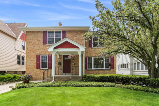 915 E Lexington Blvd, Whitefish Bay, WI 53217 (#1639128) :: eXp Realty LLC