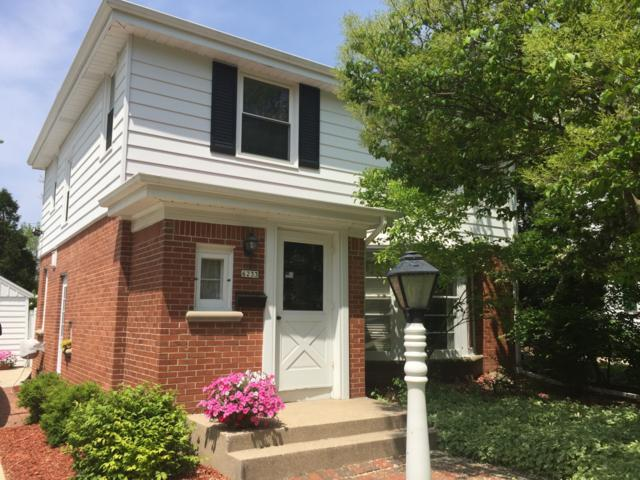 6233 N Lydell Ave, Whitefish Bay, WI 53217 (#1640842) :: eXp Realty LLC