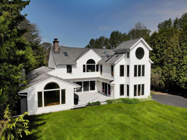 12250 N Lake Shore Dr, Mequon, WI 53092 (#1640974) :: Tom Didier Real Estate Team