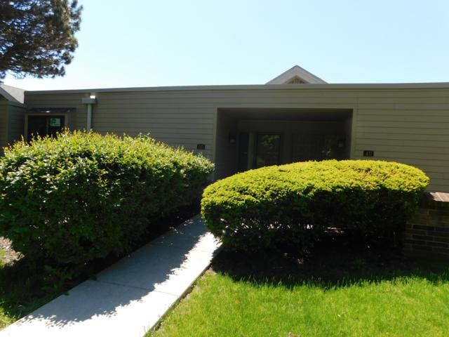 409 W Willow Ter, Fox Point, WI 53217 (#1641467) :: Tom Didier Real Estate Team