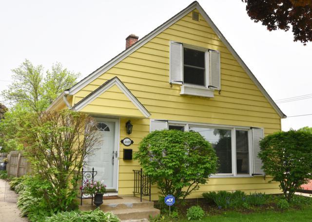 4826 N Diversey Blvd, Whitefish Bay, WI 53217 (#1642026) :: Tom Didier Real Estate Team