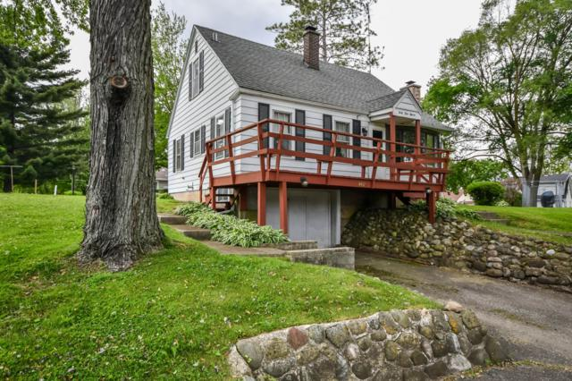 4411 East Dr, Delavan, WI 53115 (#1642084) :: RE/MAX Service First Service First Pros