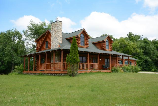 N6775 County Road Dd, Spring Prairie, WI 53105 (#1642257) :: Tom Didier Real Estate Team