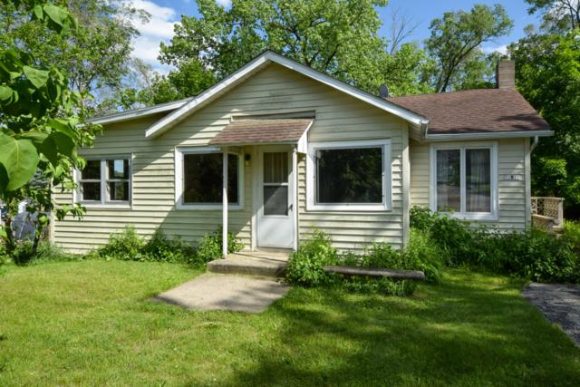 32821 Bayview Dr, Burlington, WI 53105 (#1642309) :: Tom Didier Real Estate Team
