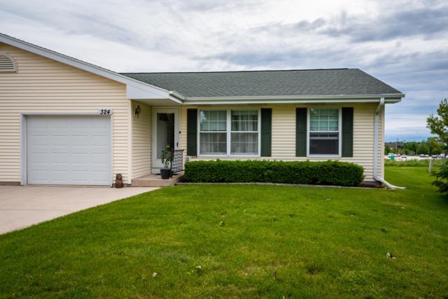 324 Thomas Cir #326, Port Washington, WI 53074 (#1642722) :: Tom Didier Real Estate Team