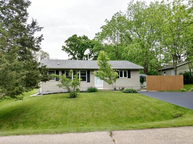 7615 Highland Ave, Burlington, WI 53105 (#1642908) :: Tom Didier Real Estate Team
