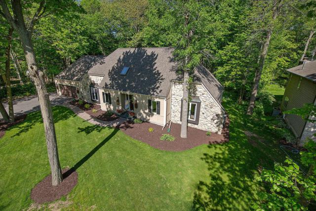 2331 Hunters Ridge Ct, Manitowoc, WI 54220 (#1642998) :: RE/MAX Service First Service First Pros