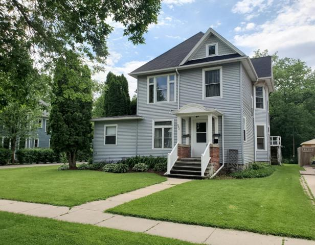 302 Maxwell St, Lake Geneva, WI 53147 (#1643020) :: Tom Didier Real Estate Team