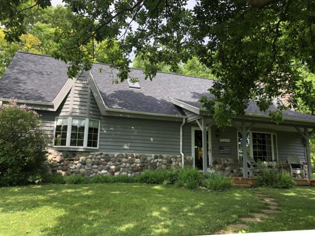 6056 Pleasant Hill Rd, Erin, WI 53027 (#1643065) :: Tom Didier Real Estate Team