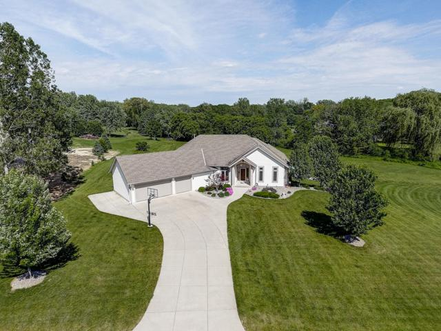 W278S3660 Merrimac Trl, Waukesha, WI 53189 (#1643069) :: RE/MAX Service First Service First Pros