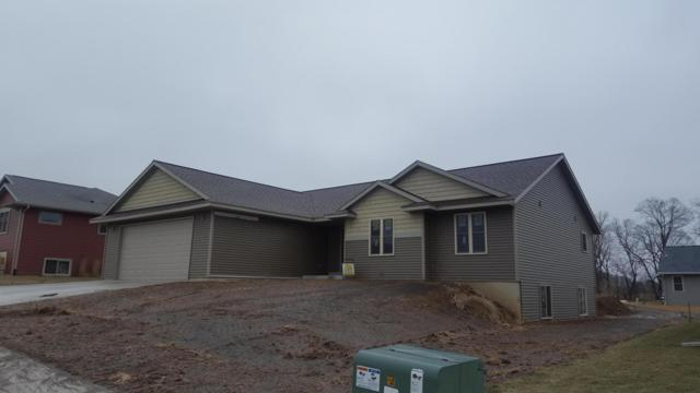 11525 Monteville Ct, Trempealeau, WI 54661 (#1643081) :: Tom Didier Real Estate Team