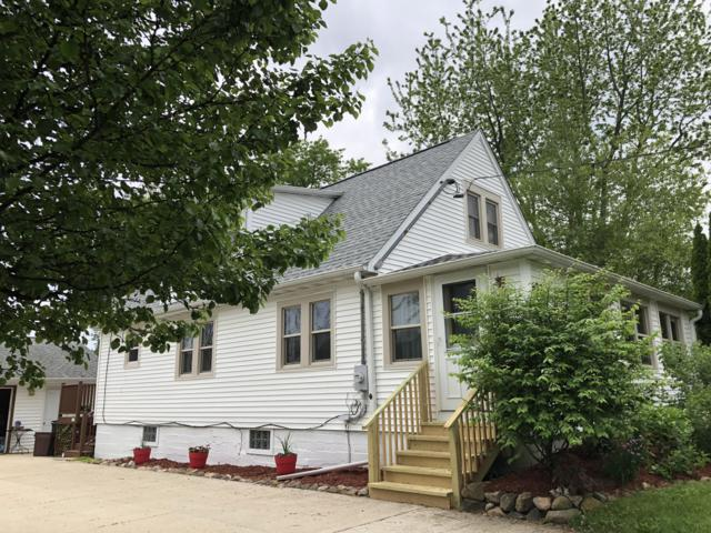 597 Oak St, Burlington, WI 53105 (#1643095) :: Tom Didier Real Estate Team