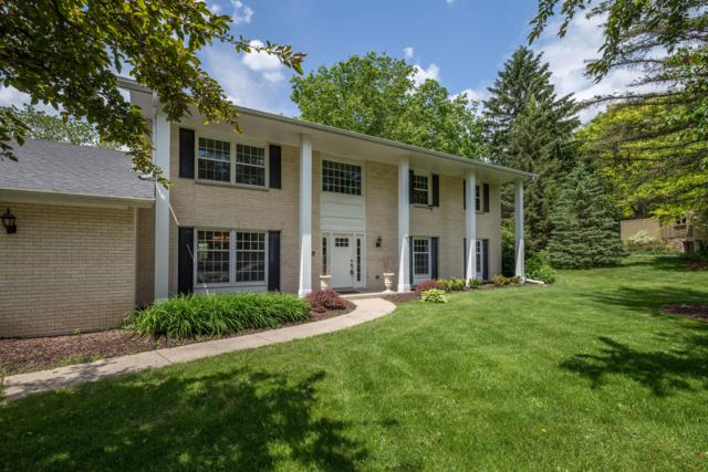 2865 Farm Hill Ct, Brookfield, WI 53005 (#1643136) :: eXp Realty LLC