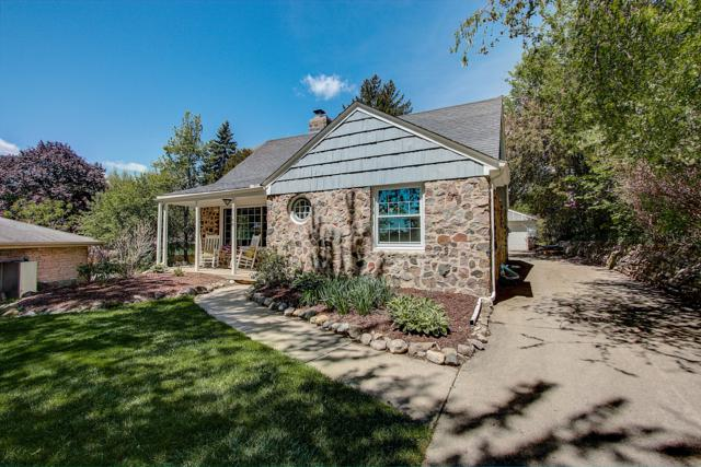 10148 W Highwood Ave, Wauwatosa, WI 53222 (#1643274) :: eXp Realty LLC