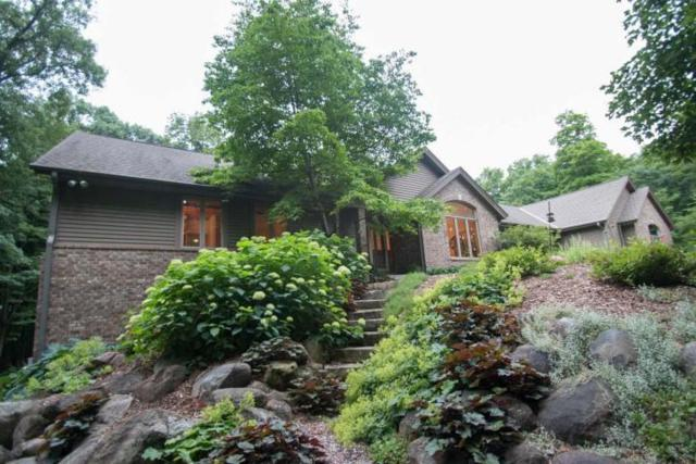 5721 Kettle Wood Ct, Hartford, WI 53027 (#1643356) :: eXp Realty LLC