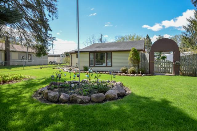 27611 114th St, Salem Lakes, WI 53179 (#1643361) :: RE/MAX Service First Service First Pros