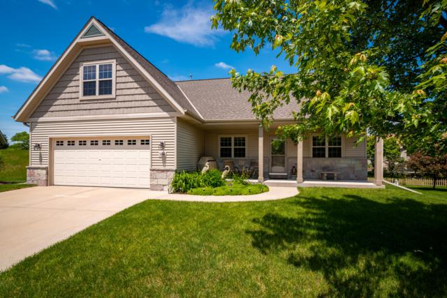 306 Richards Pl, West Bend, WI 53095 (#1643368) :: eXp Realty LLC